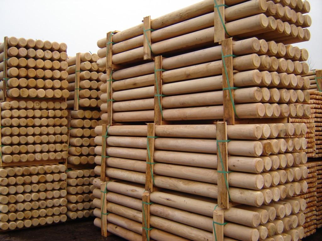 Столбы деревянные оцилиндрованные